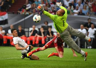 Suits you: Hungary keeper Kiraly set to break age barrier