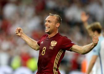 Russia snatch draw from dominant England
