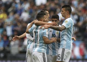 Argentina cruise into quarter final with 100% record