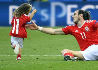 Bale warned over daughter on pitch: