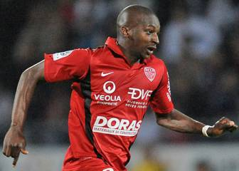 Lille snap up Guingamp midfielder Sankharé