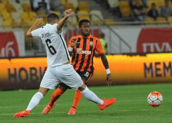 Ajax held but Shakhtar brush Young Boys aside