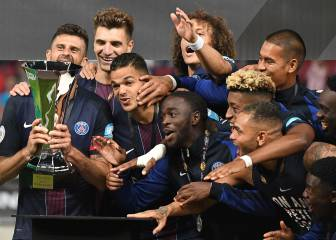 Emery collects first piece of silverware with PSG