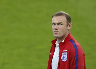 Rooney surpasses Beckham's caps record for England
