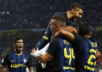 Juve fall to Inter as Napoli top Serie A table