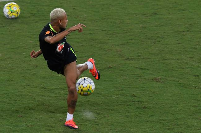 Neymar practicing his trademark control.