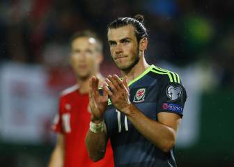 Bale hails 'great point' as Wales draw in Austria
