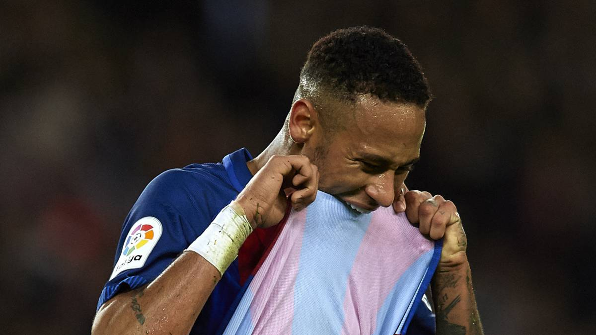 Neymar upset after missing a chance at the death to seal all three points for Barcelona