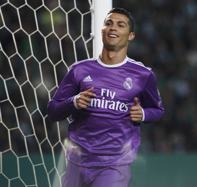 low priced 214f6 3257a cristiano ronaldo purple jersey