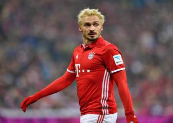 Hummels dyes hair blonde after losing Oktoberfest bet