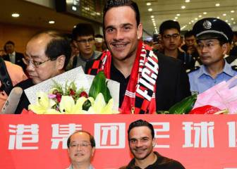 Roque Mesa signs for Shanghai in Instagram photoshop