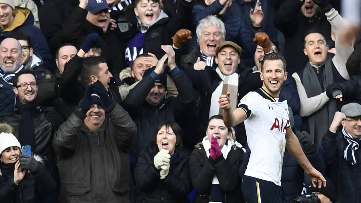 Kane puts Spurs second