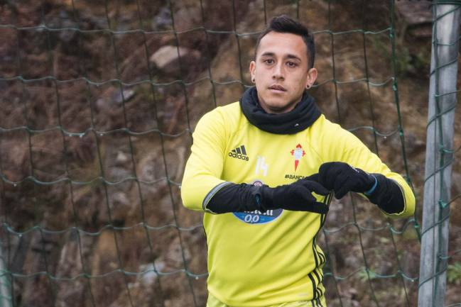 Fabian Orellana training for Celta Vigo