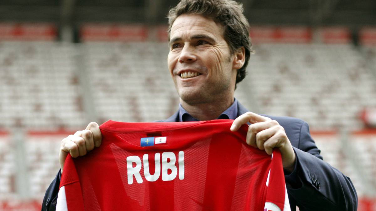 Rubi appointed as new Sporting Gijón head coach