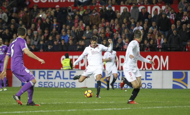 Seconds before the record, and momentum was ended. Sevilla - Real Madrid, Jovetic.