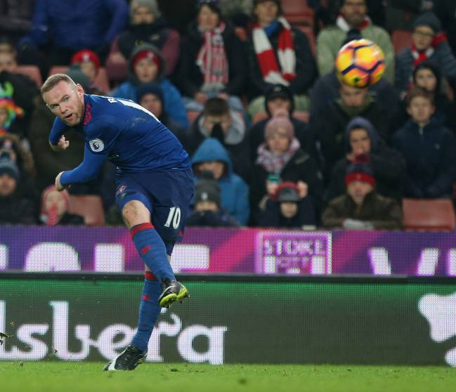 Rooney now Manchester United's top scorer