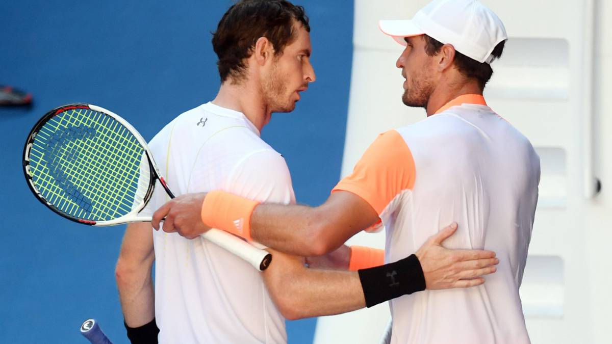 Australian Open: Andy Murray knocked out by Mischa Zverev