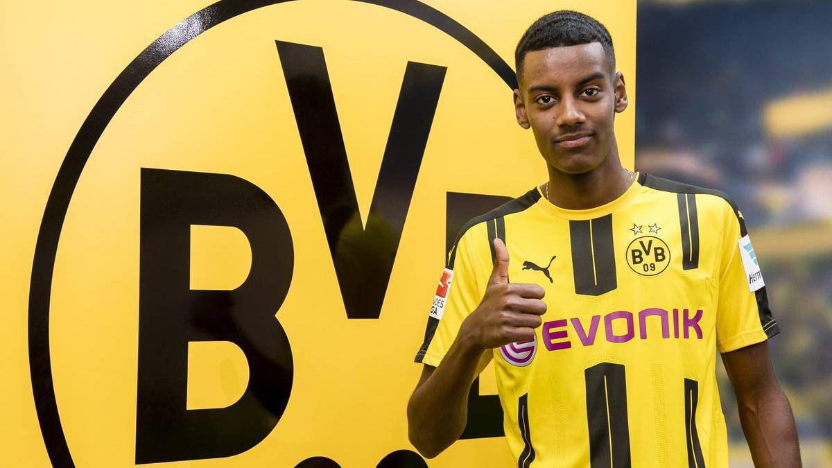 Real Madrid lose out on Alexander Isak: Swedish striker signs for Borussia Dortmund