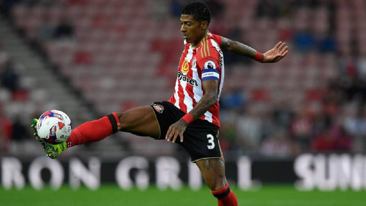 Van Aanholt: Crystal Palace sign Sunderland defender