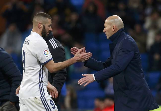 Real Madrid's Karim Benzema needs the support of coach Zinedine Zidane to get him through this tough period.