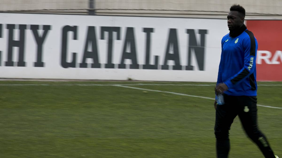 Felipe Caicedo training with Espanyol