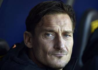 Totti branded 'Pinocchio' amid Roma penalty storm