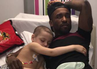 Defoe's hospital visit delights little Bradley
