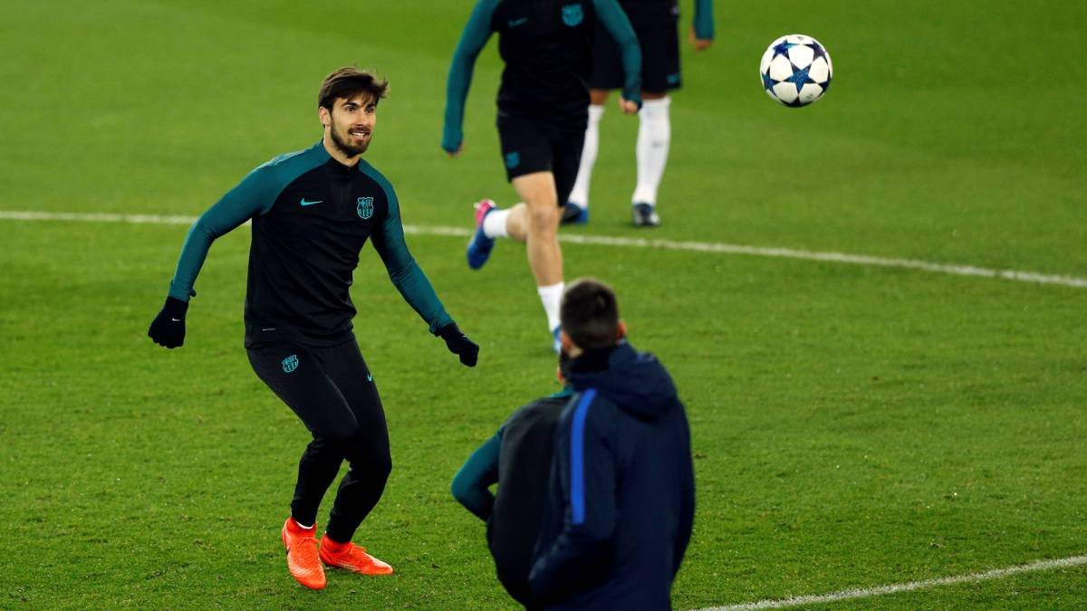 Barcelona's player Andre Gomes attends a training session.