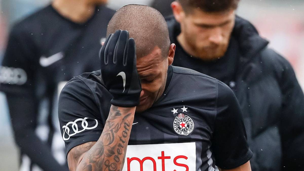 Brazilian player reduced to tears after Belgrade derby monkey chants