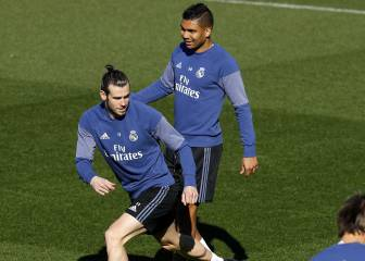 Valencia - Real Madrid team news: Bale starts on the bench