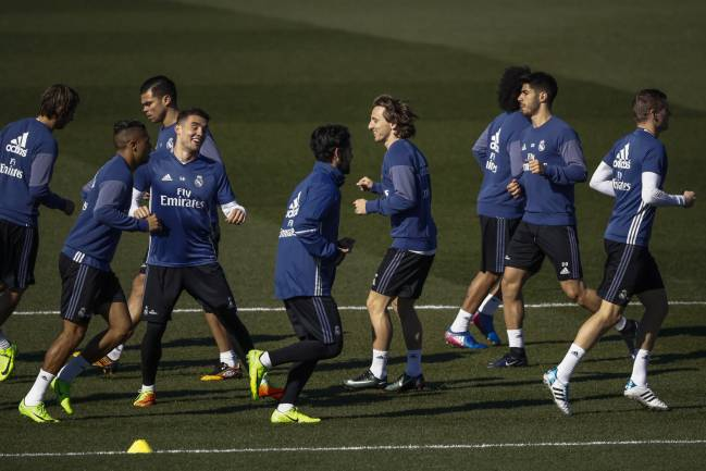 Bale set to start to against Villarreal; Danilo ruled out