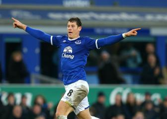 Ross Barkley hopes Everton can slice Liverpool's 8-point gap