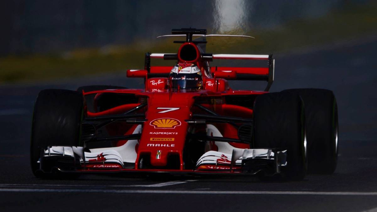 F1 testing: Raikkonen fastest as Hamilton hit with electrical fault