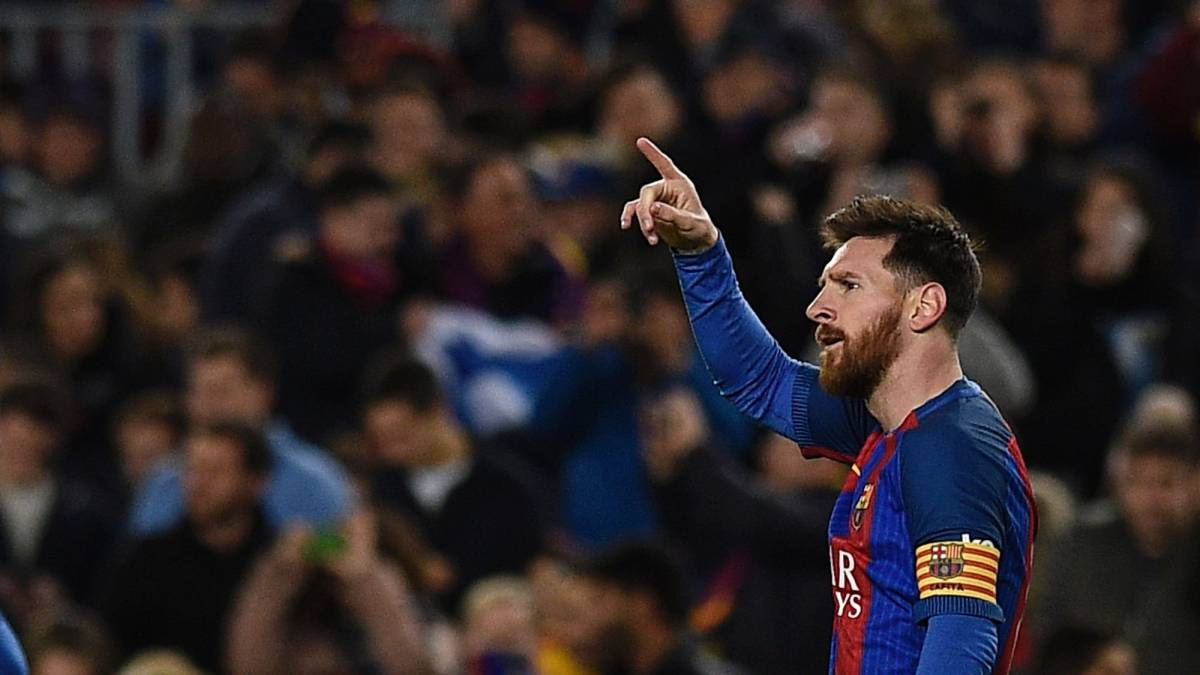 Barcelona's Argentinian forward Lionel Messi celebrates after scoring a goal during the Spanish league football match FC Barcelona vs RC Celta de Vigo