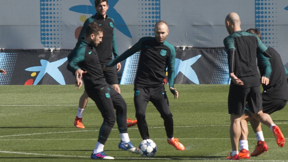 Barcelona training before the PSG clash in the Champions League
