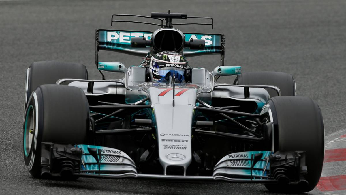 Mercedes driver Valtteri Bottas set the fastest time of testing so far this pre-season while Fernando Alonso's McLaren suffers an engine faliure