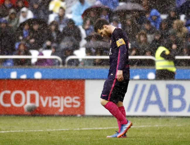 A dejected Leo Messi at Riazor
