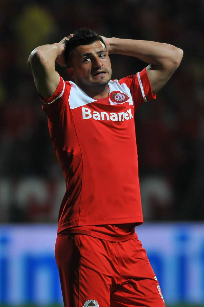 Enrique Triverio of Toluca reacting after failing a shot during the Mexican Clausura 2016