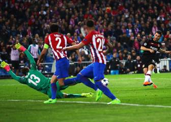 Atlético march on thanks to heroic effort by Oblak