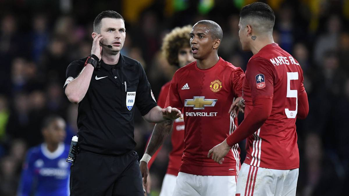 Premier League referee Michael Oliver will officiate in Gijón on Friday, he caused controversy during the recent FA Cup tie between Chelsea and Man United