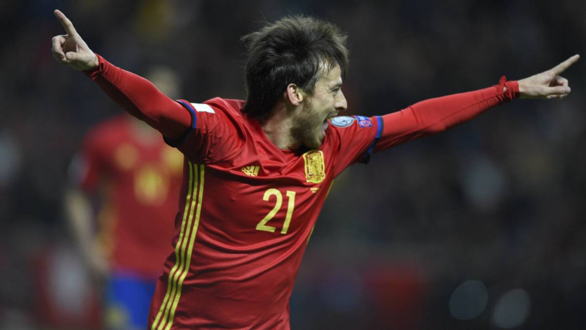 David Silva celebrates his and Spain's first goal against Israel.