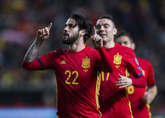 Spain ease to 4-1 victory over Israel to stay top of group