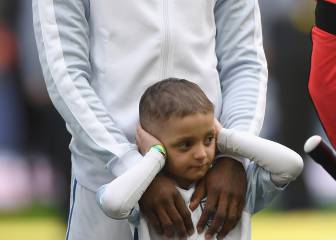 Bradley Lowery leads out England at Wembley...with Defoe