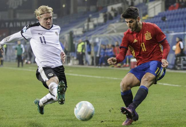 The Real Madrid and Spain U21 midfielder discusses progression to Lopetegui's senior squad, his limited opportunities at the Bernabéu, and Isco.