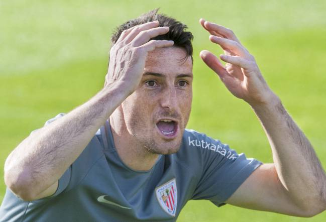 Aritz Aduriz notched his 100th goal for Athletic Club against Osasuna, behind Messi and Ronaldo he is the 3rd highest scorer in La Liga who is still active