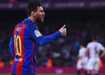 Barcelona keep up pressure on Real with easy win over Sevilla