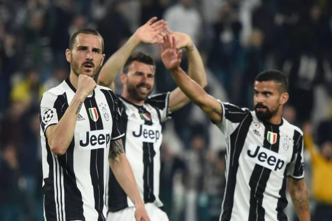 6eac01acf3 Juventus  defenders Leonardo Bonucci and Andrea Barzagli and Juventus  midfielder Tomas Rincon.
