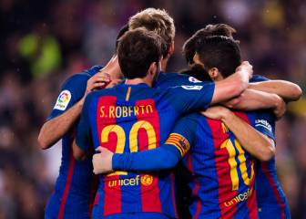 Barcelona cling on to secure maximum points