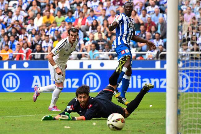 Gareth Bale brings up the 1-4 in the September 2014 meeting between Deportivo and Real Madrid
