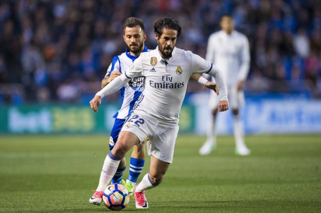 Real Madrid fans want Isco and Asensio to play against Valencia